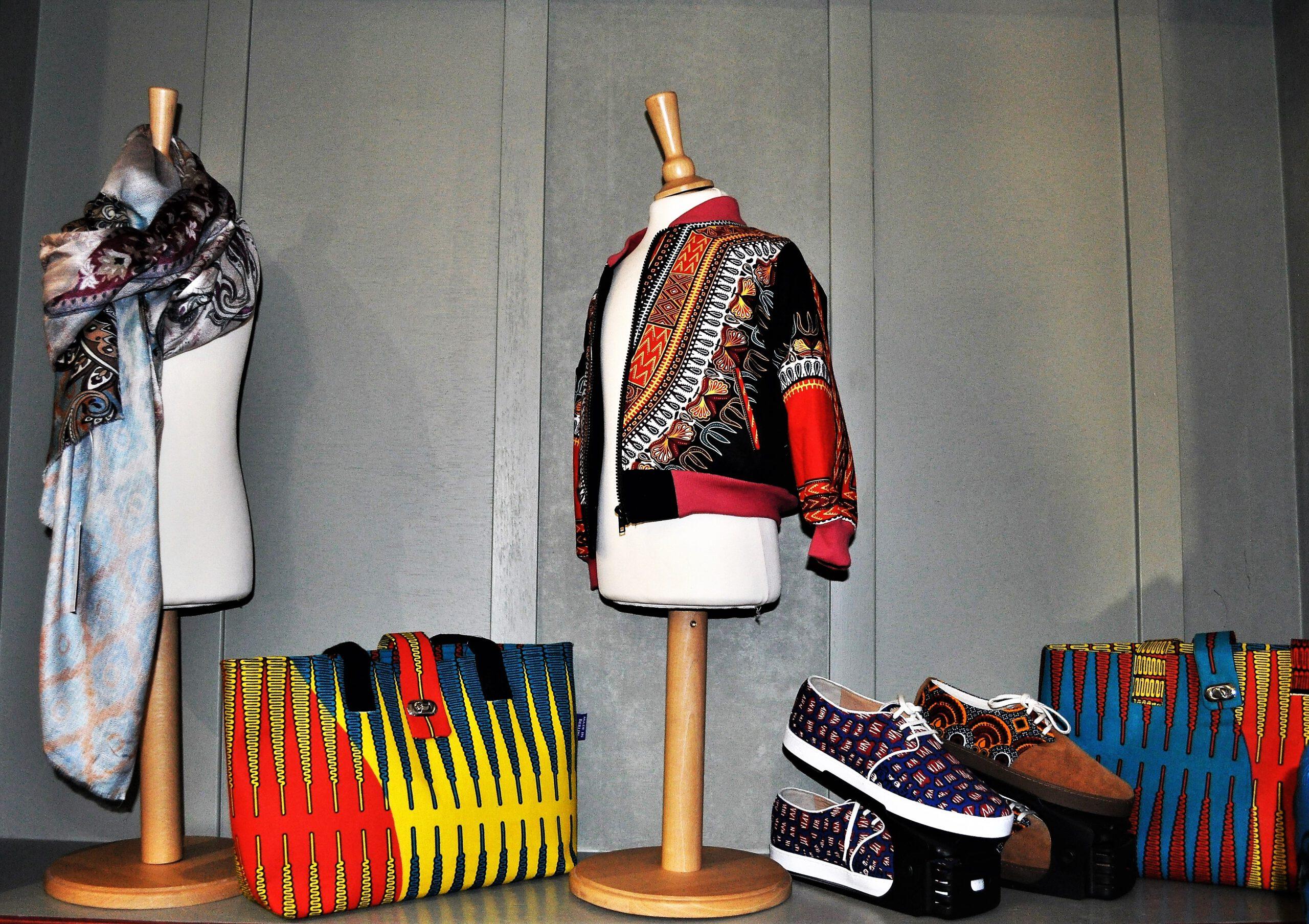 Mode mit afrikanischen Stoffen.